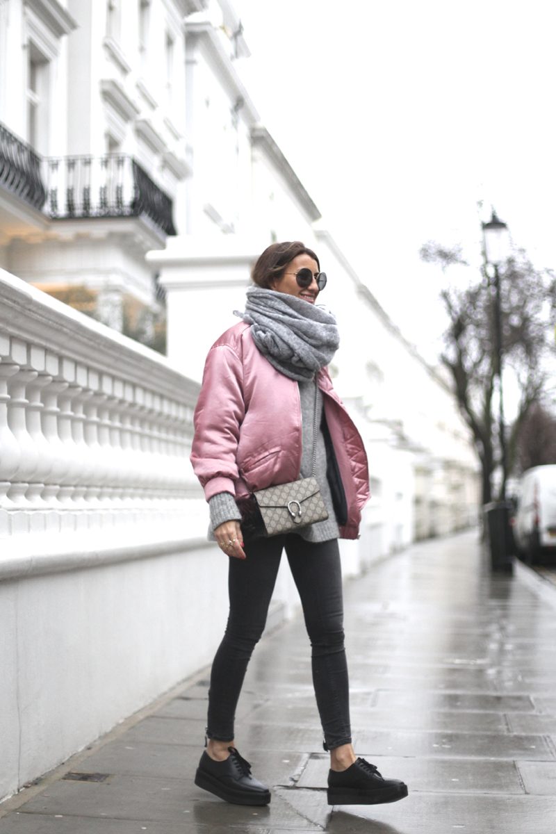 PINKIN' IN NOTTING HILL . LONDON #LFW-90378-bartabacmode