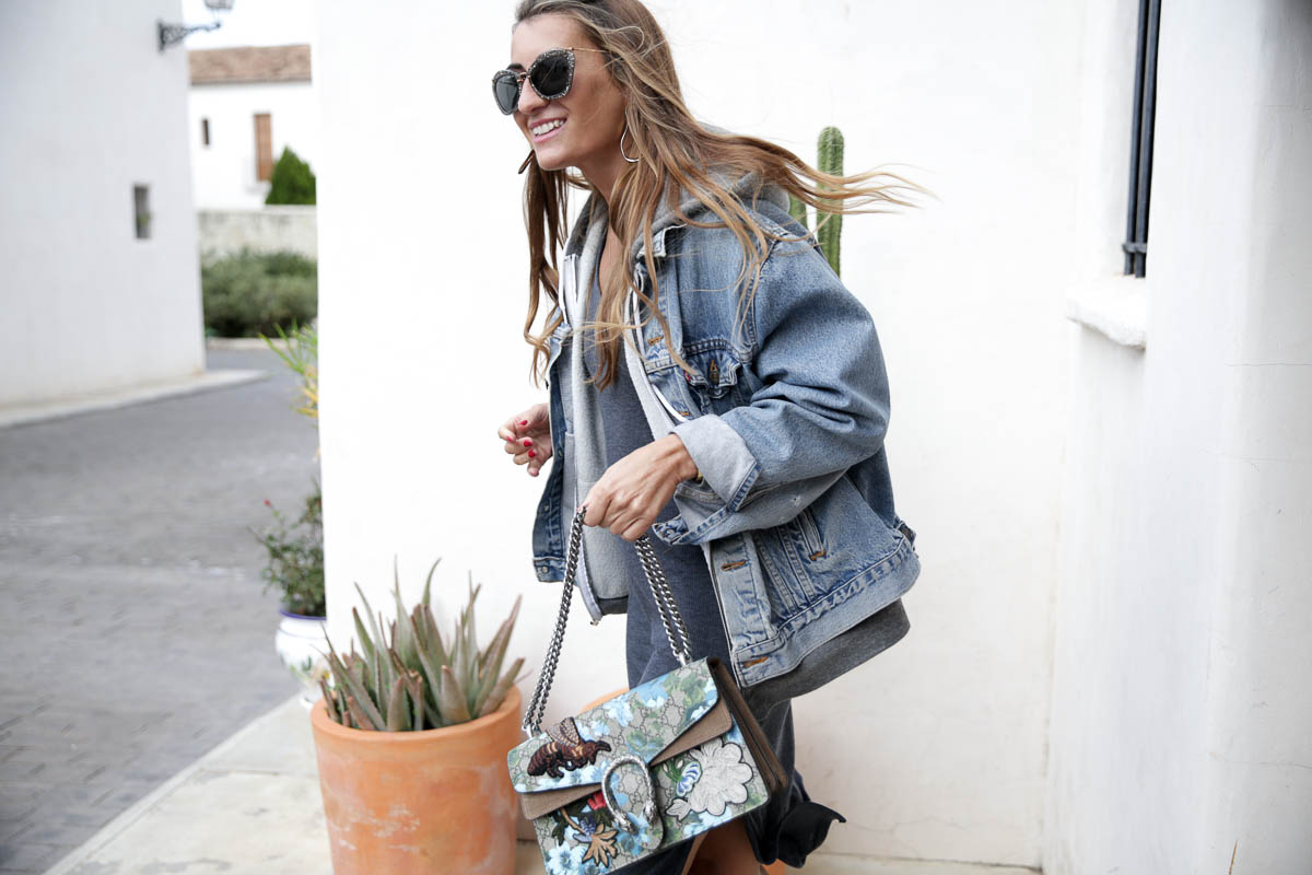black-friday-a-bicyclette-sweatshirt-hoodie-all-star-leather-piel-cuero-celine-bag-bolso-mini-skirt-falda-streetstyle-look-bartabac-outfit-moda-blogger-10