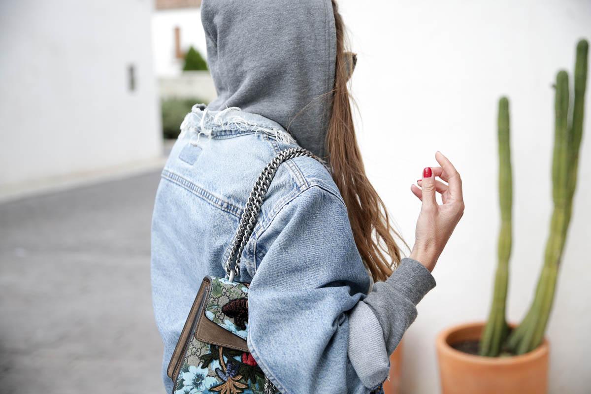 black-friday-a-bicyclette-sweatshirt-hoodie-all-star-leather-piel-cuero-celine-bag-bolso-mini-skirt-falda-streetstyle-look-bartabac-outfit-moda-blogger-12