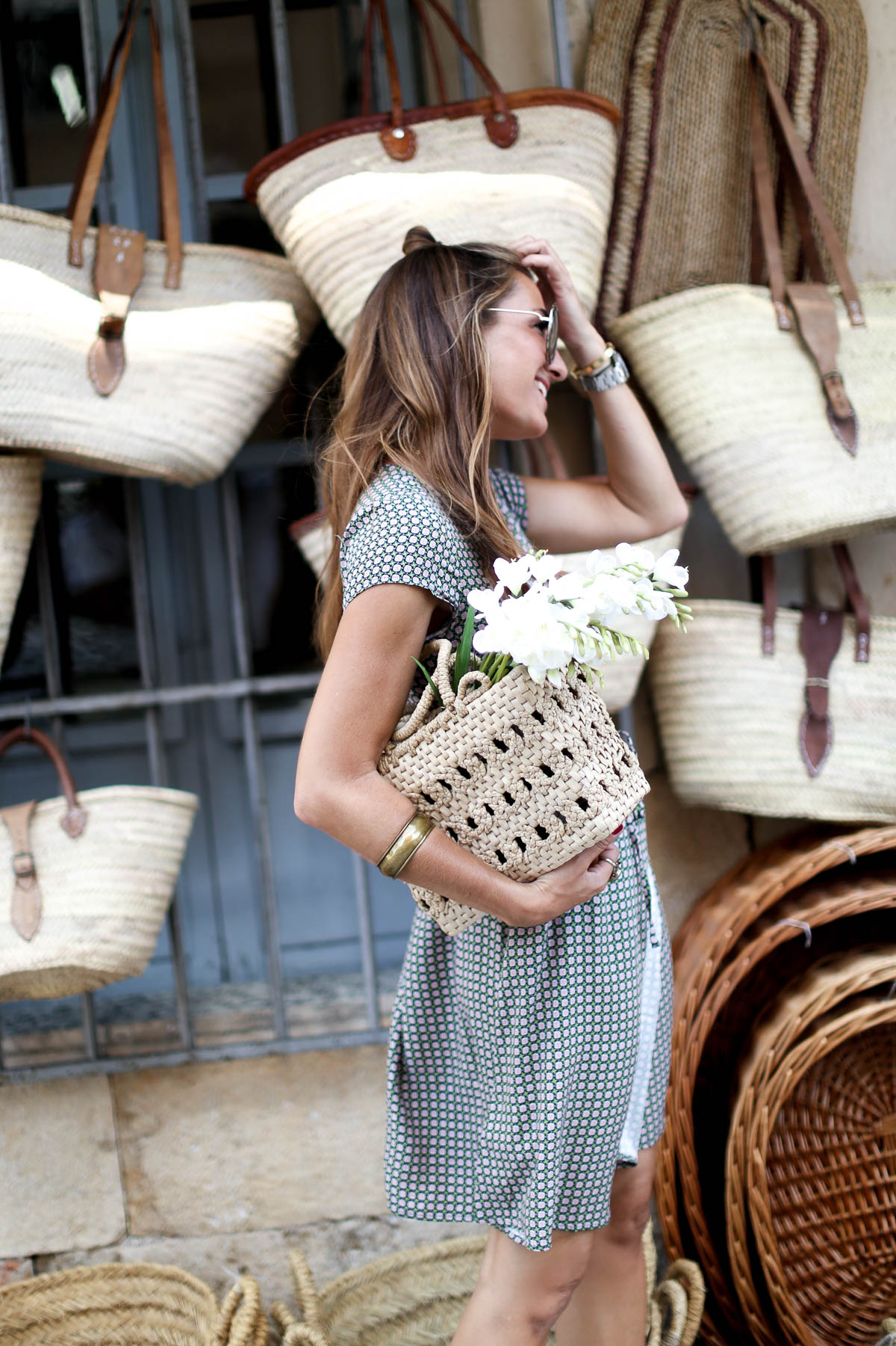 THE GIRL OF THE STRAW BAGS-101213-bartabacmode