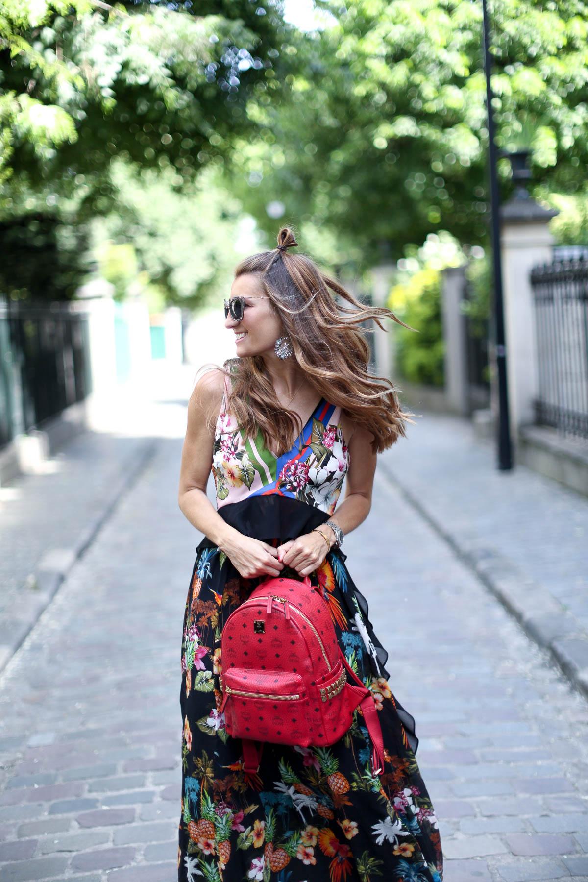 PARIS 17eme IN FLOWERED DRESS-101390-bartabacmode