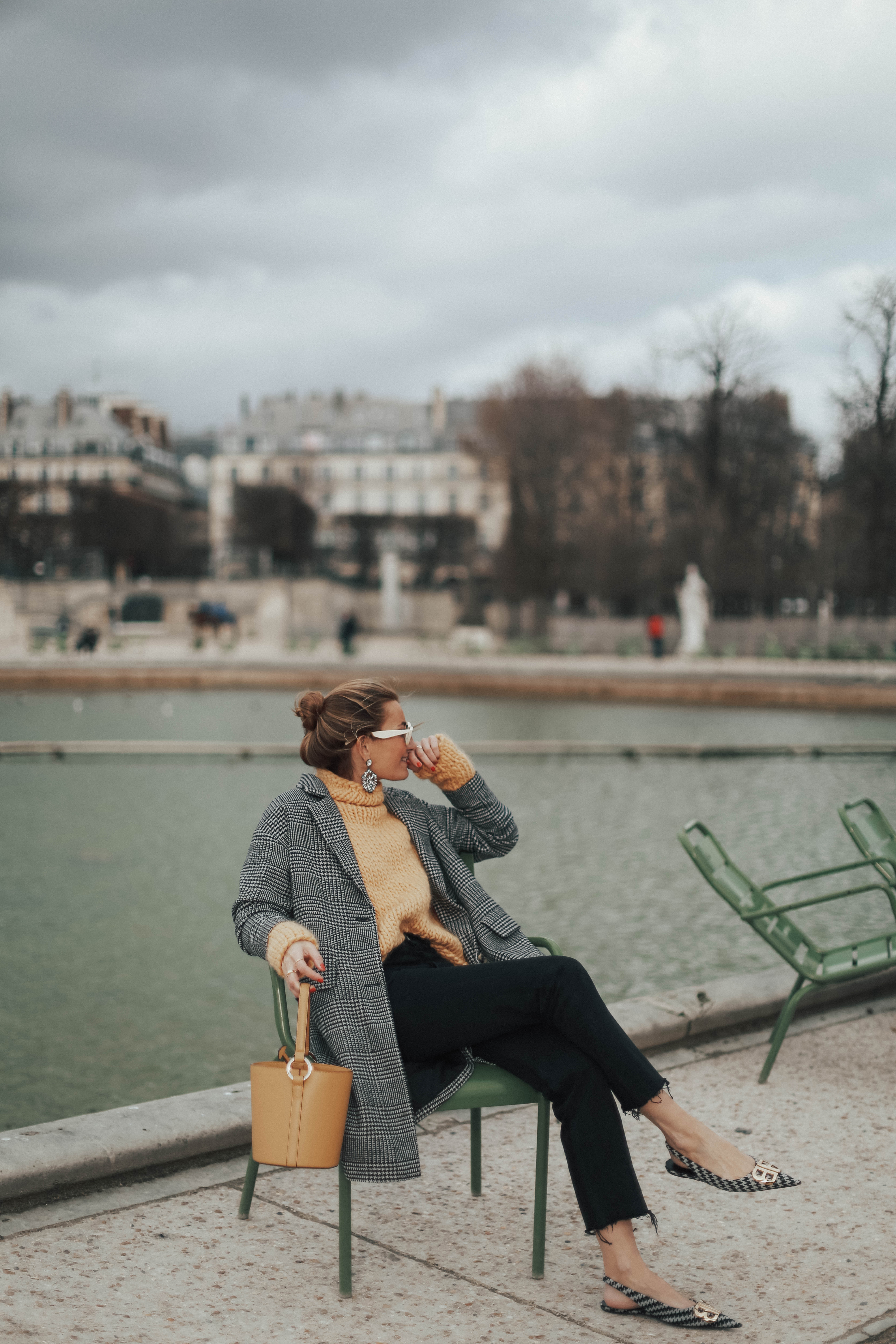 LES TUILERIES IN YELLOW-109536-bartabacmode